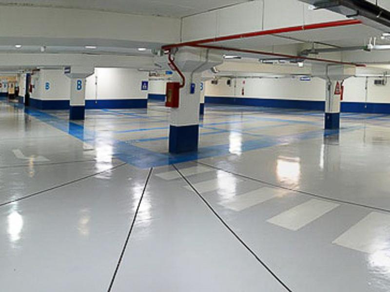 public garage empty