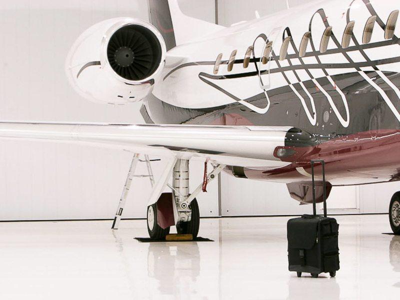 private-jet-plancher-époxy-blanc-aéroport-montréal