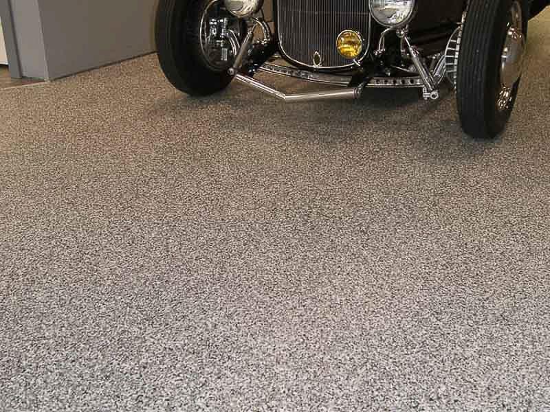 voiture-ancienne -sur-plancher-polyuréa