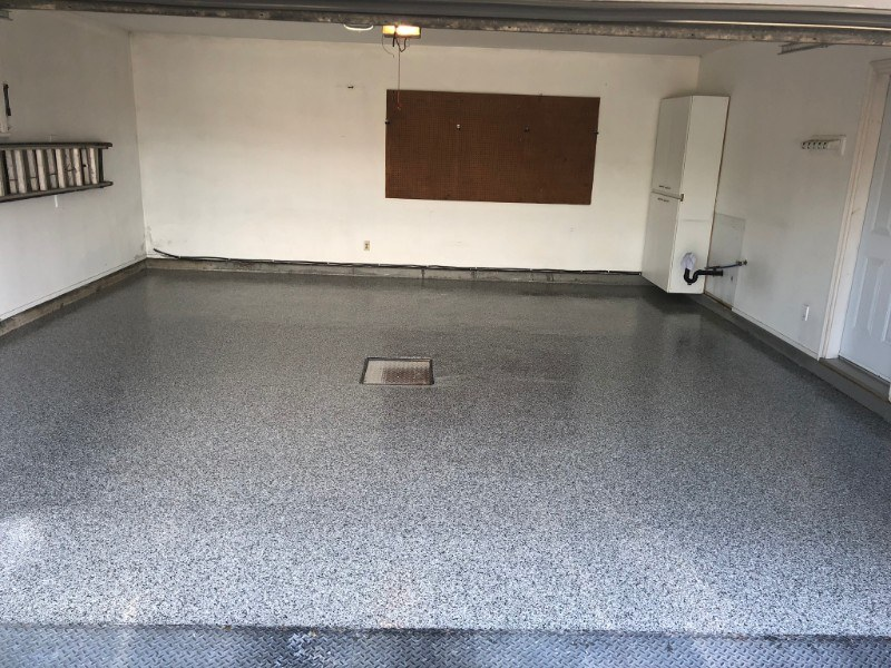 garage-residentiel-plancher-beton-reparation-Epoxy-polyurea-flocons-Prostationnement