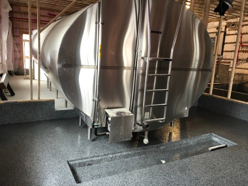 Cilos-Epoxy-plancher-ferme-flocons-laitrie-reparation-beton-Prostationnement