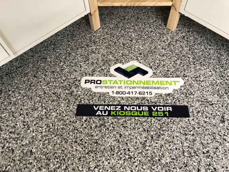 salon-habitation-plancher-garage-operation-enfants-soleil-epoxy-polyurea-Prostationnement