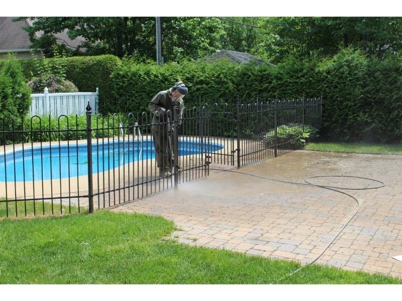 piscine-nettoyage-haute-pression-trotoire-de-piscine