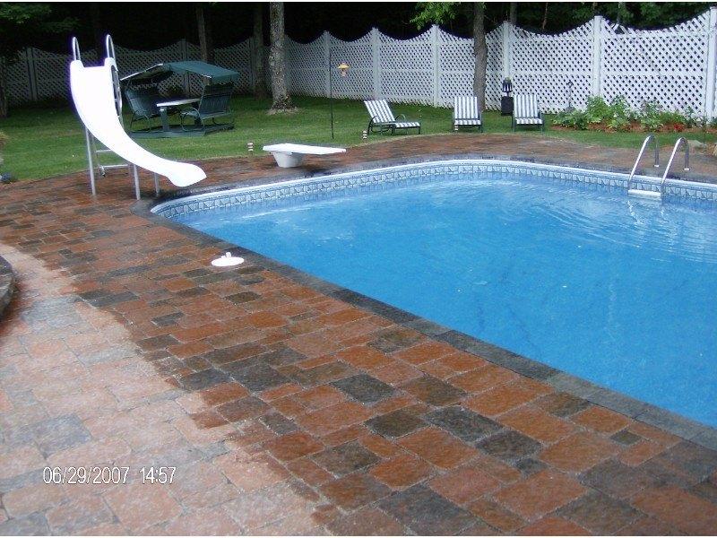 piscine-nettoye-et-sceller-aspect-mouiller